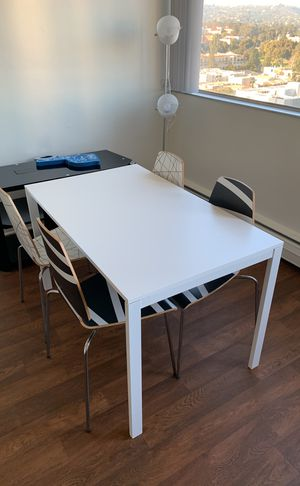 Dining table with 4 chairs for Sale in West Los Angeles, CA