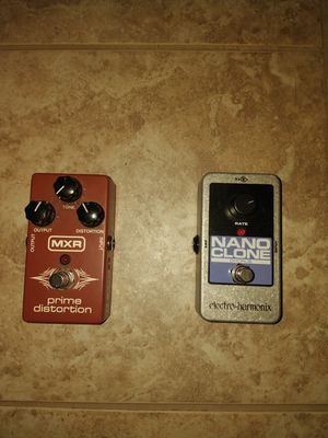 Mxr distortion pedal/ Nano Clone Chorus pedal for Sale in Downers Grove, IL