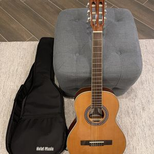 Hola! Music Guitar In Excellent Condition for Sale in Walnut, CA