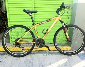Trek 3700 Special Edition Mountain Bike (Aluminum) Frame size : 41cm - 21 Speeds. Excellent Condition for Sale in Plantation, FL