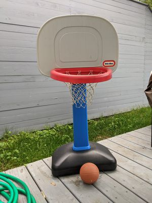 Little Tikes toddler basketball set for Sale in Chicago, IL