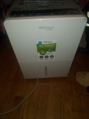 Soleus air 45 pint portable dehumidifier for Sale in Livonia, MI