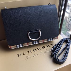 Burberry strap leather bag. for Sale in New York, NY