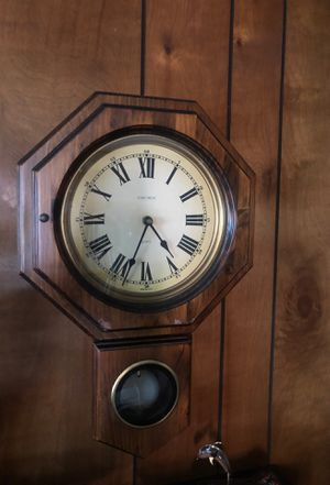 Wall clock for Sale in Portsmouth, RI