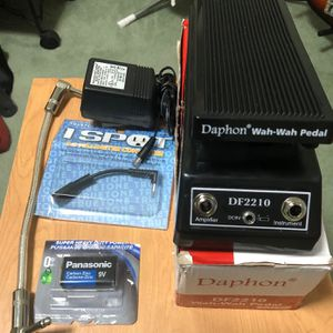 DAPHON WAH-WAH DF2210 GUITAR PEDAL EFFECTS, plus accessories in EXCELLENT Condition. Keywords: Fender, Ibanez, Bass, Amplifier. for Sale in Pomona, CA