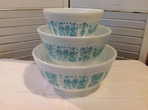 Pyrex turquoise butterprint nesting bowl set for Sale in Anaheim, CA
