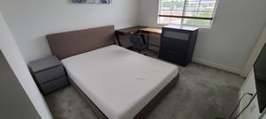 Queen size bed for Sale in Covina, CA