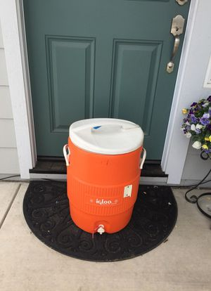 10 gal igloo water container for Sale in Riverbank, CA