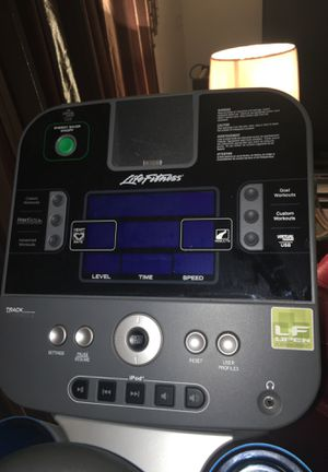 Life Fitness X5 Total-Body Elliptical Cross-Trainer for Sale in St. Louis, MO