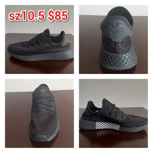 Adidas Mens Sneakers sz10.5 LIKE NEW! for Sale in Orlando, FL