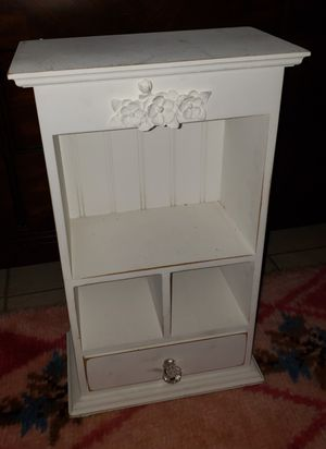 Small White Cabinet shelf for Sale in Imperial Beach, CA
