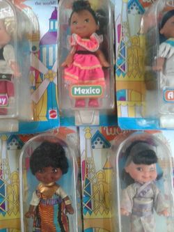 Disney : It's A Small World Doll Mattel 1993 America Girl Doll Around the World for Sale in Everett,  WA