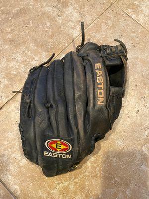 """Easton baseball ⚾️ glove 12.5"""" for Sale in Miami, FL"""