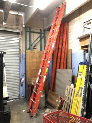 Werner D6228-2 28 ft Fiberglass Extension Ladder for Sale in Miami, FL