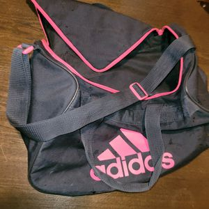 Adidas Duffle Bag for Sale in Covington, WA