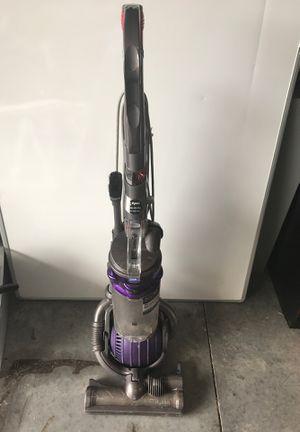 Dyson DC25 Animal Upright Vacuum for Sale in Ocoee, FL