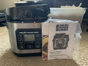 Monthly Williams Living Well Pressure Cooker (missing pressure valve) for Sale in La Mesa, CA