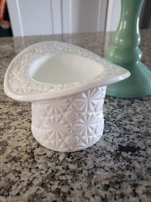 Amazing Milk Glass Top Hat for Display or Organizational Use/Candy dish for Sale in Chandler, AZ