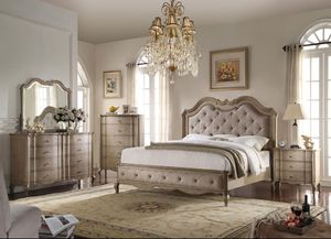 5pc set Queen Bed, Nightstand, Mirror, Dresser & Chest for Sale in The Bronx, NY