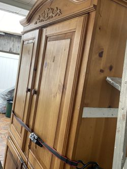 Make An Offer Tv Cabinet for Sale in Los Angeles,  CA