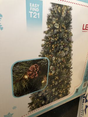 9ft Martha Stewart Christmas tree $75.00 for Sale in Keizer, OR