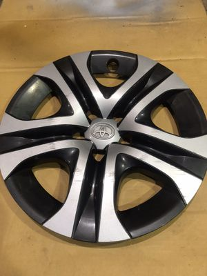 "17"" Toyota RAV4 hubcap for Sale in Troutdale, OR"