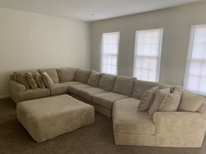 SECTIONAL COUCH FOR SALE !! for Sale in Bradford Woods, PA