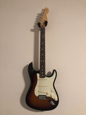 2015 Fender USA Standard Stratocaster & Hard Case for Sale in Plano, TX