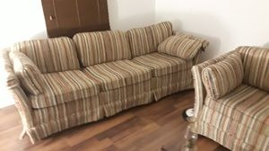Flex Steel couch and love seat set older in good condition for Sale in South Whitley, IN