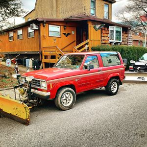 Bronco 2 Ford 1988, Meyers plow like NEW for Sale in Nazareth, PA