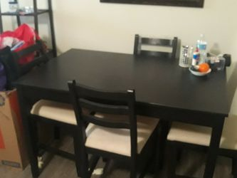 4 Pc Dark Wood Dining Table for Sale in Fort Lauderdale,  FL