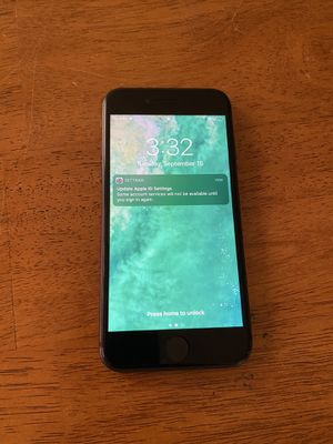 iPhone 8 excellent condition w/ case (Unlocked) for Sale in Columbia, MO