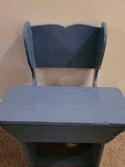 Kids Desk And Chair for Sale in Largo,  FL
