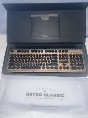Retro Classic Keyboard for Sale in Nashville, TN