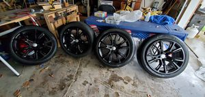 """20"""" Wheels and tires, jeep, dodge, Chrysler for Sale in Southgate, MI"""