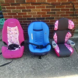 Cosco and evenflo car seats girls and boy for Sale in Detroit, MI
