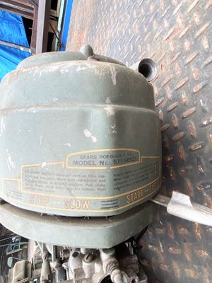 VINTAGE 1940's SEARS ROEBUCK OUTBOARD BOAT MOTOR for Sale in Clawson, MI
