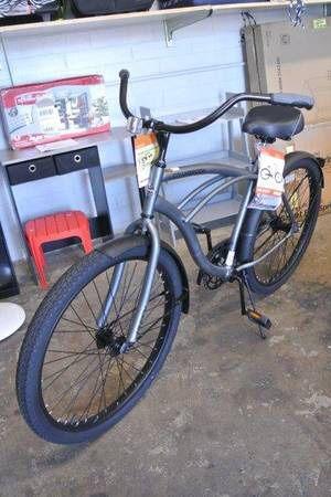 Huffy Cranbrook 26″ Mens Beach Cruiser Bike in Silver for Sale in Mesa, AZ