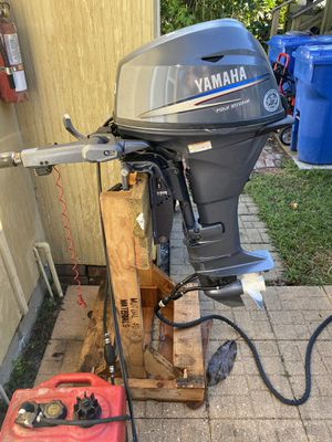 Yamaha outboard 20hp tilt trim and electric start 2010 for Sale in St. Petersburg, FL