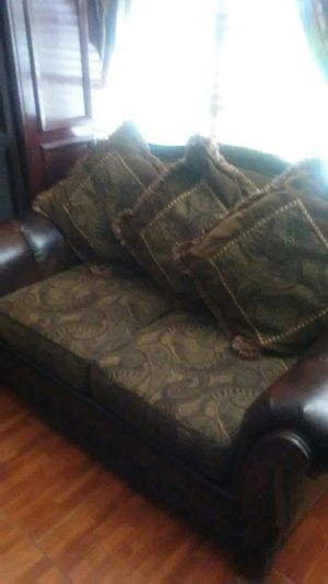 Leather sofa full Set Very well taken care of The sofas only Where 1700 for Sale in Miami, FL