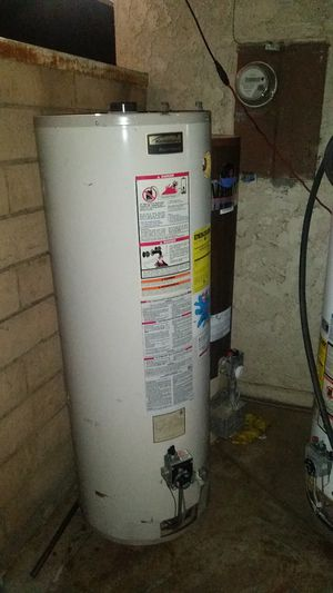 Water heater kenmore 40 galones gas for Sale in Bloomington, CA