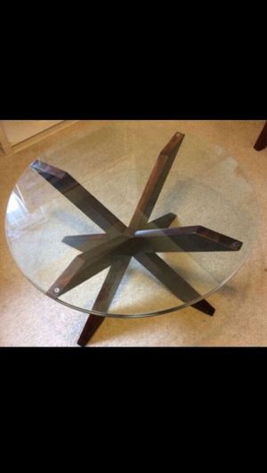 """Coffee Table (29.5"""" Round Table): moving out deal for Sale in Westland, MI"""