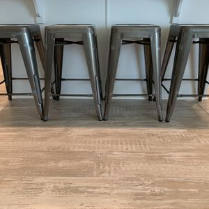 Metal Bar Stools (24 Inch Height) for Sale in Rancho Cucamonga, CA