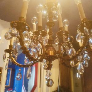 Beautiful Vintage Crystal Chandelier With Crystal Ball for Sale in West Sacramento, CA