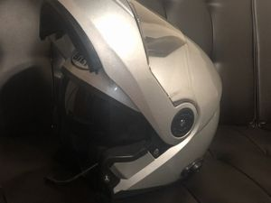 Vendó casco bilt y una chamarra de moto for Sale in Oakland, CA
