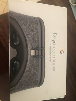 VR headset for Sale in Miami, FL