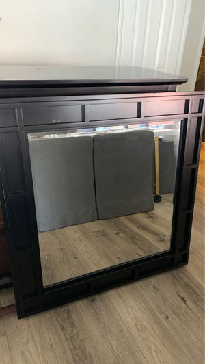 Dresser with mirror for Sale in El Cajon, CA