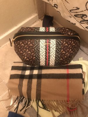 Burberry fanny pack/scarf for Sale in Coppell, TX