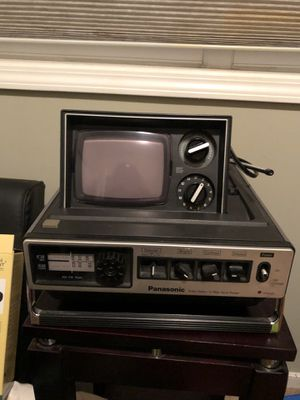 Panasonic tv and radio for Sale in Chicago, IL