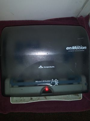 EnMotion automatic paper towel dispenser for Sale in Oakland, CA